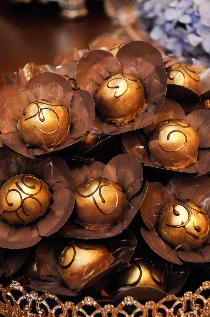 $10 Forminhas Flor Marrom (wrappers for sweets) Casamento Andréia e Hugo Campinas/SP - Janeiro/2012