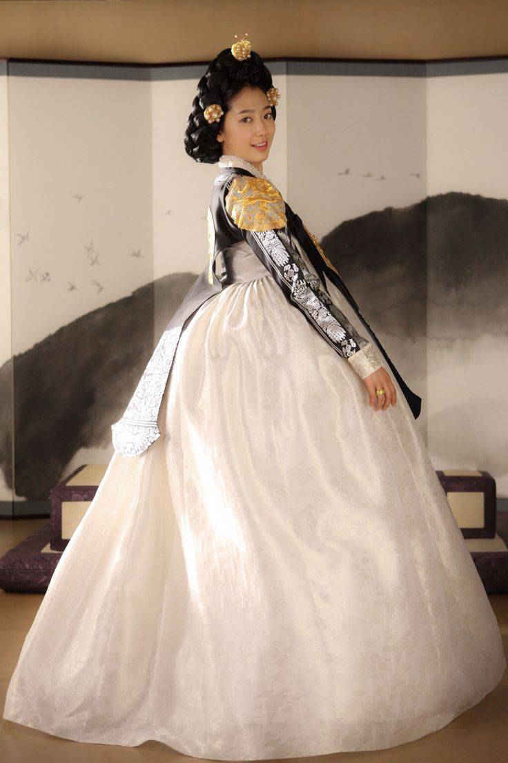 Hanbok, Korean traditional costume 상의원 (The Tailors, 2014)