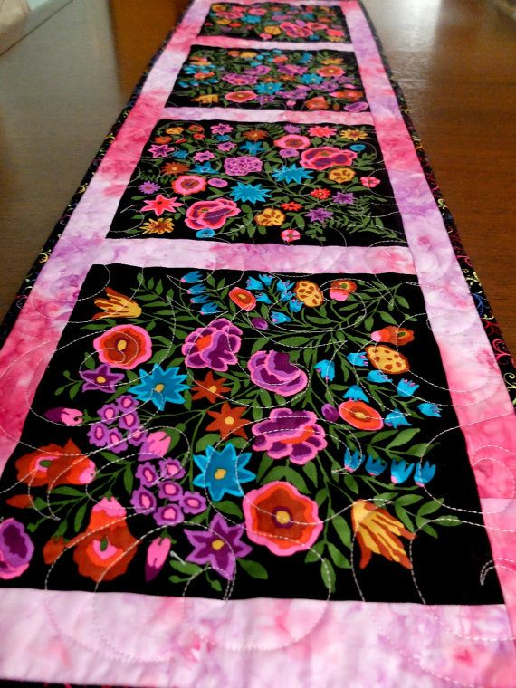 Quilt Patterns For Table Runners And Placemats : 351 best Quilted Table Runners and Placemats images on Pinterest Tablerunners, Quilt block ...