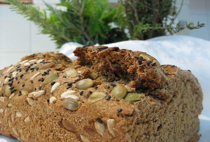 Ψωμί Βρώμης - Συνταγή! έχω καταλήξει ότι για να φαμε καλό ψωμί, είτε θα πρέπει να το παραγγείλουμε από κάποιο χωριό του νησιού για να μας το φέρουν είτε να