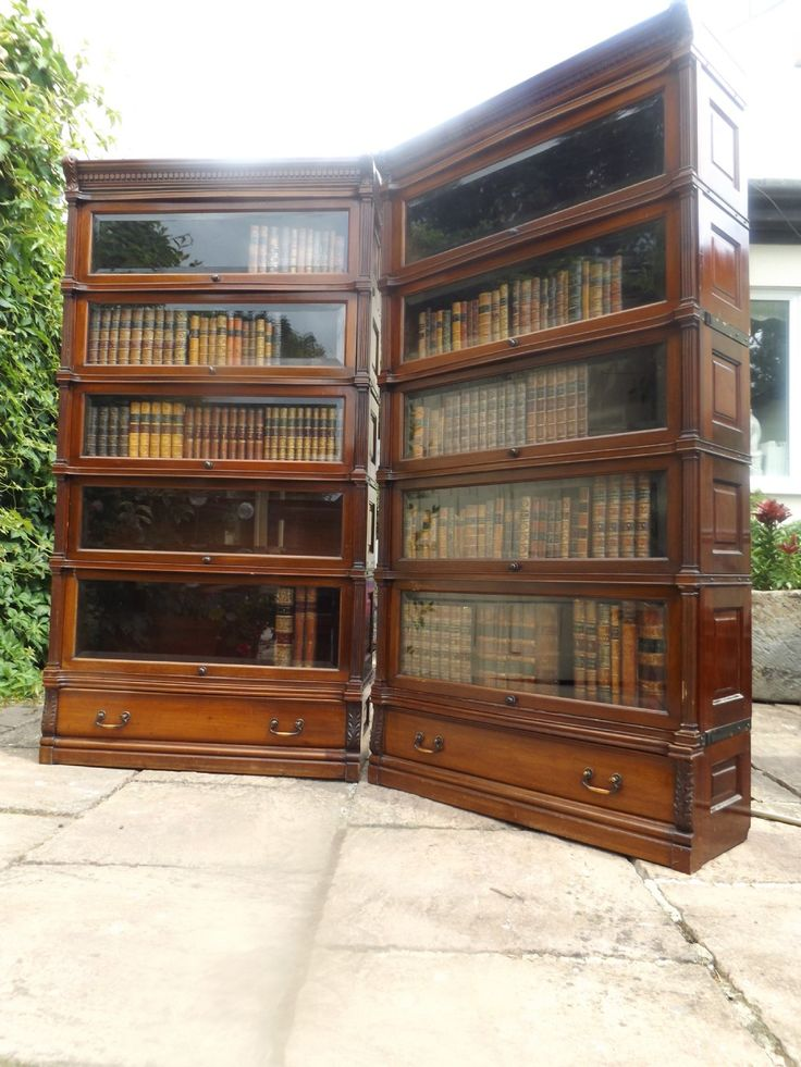 PAIR OF EXCELLENT QUALITY EARLY 20TH CENTURY  GLOBE WERNICKE BOOKCASES IN MAHOGANY