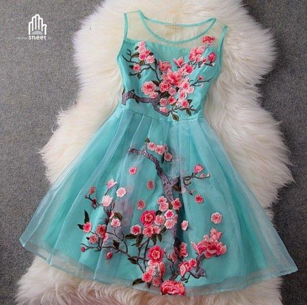 Blossom Dress Vestitino in tulle con fiori ricamati € 79.90 www.dream-shop.it #blossom #dress #vestito #abito #ricamo #ricamato #fiori #flowers #romantico #azzurro