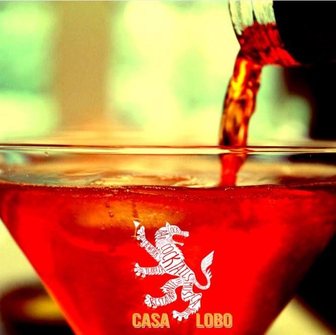 AFTERDINNER en CASA LOBO De ti depende que el fin de semana comience hoy mismo. Oferta gastronómica deliciosa con música en directo ¿qué más necesitas?;) Disfruta de nuestro AFTERDINNER jueves, viernes y sábado a partir de las 22h ;) #CasaLobo #MyCasaLobo #Madrid #dinner #after #afterwork #afterdinner #juernes #friends #love #enjoy #party #copas #glasses