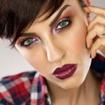 """237 Likes, 11 Comments - Claudia Cucinelli (@chiaroscuromakeup) on Instagram: """"GRUNGE 🎸 90's Inspired MAKEUP TUTORIAL with @nevecosmetics GRUNGELIC Collection (direct link in…"""""""