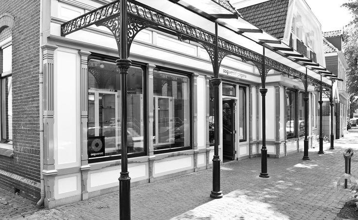 Voorkant winkel van Oogwereld Jongsma in Zaandam.