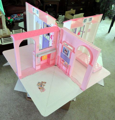 1996 Barbie Fold Out Carry Doll House Carry Doll House Childhood Toys Barbie