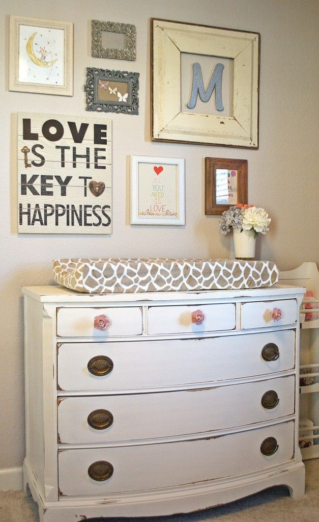 cute changing table station....but it would be a really cute idea in the hallway between the bedrooms too, with just a little table vs changing table