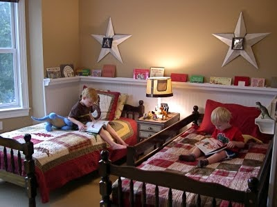 Rain gutter bookshelves... good idea!Rain Gutter, Ideas, Bookshelves, Boys Bedrooms, Kids Room, Boy Rooms, Book Shelves, Boys Room, Gutter Bookshelf