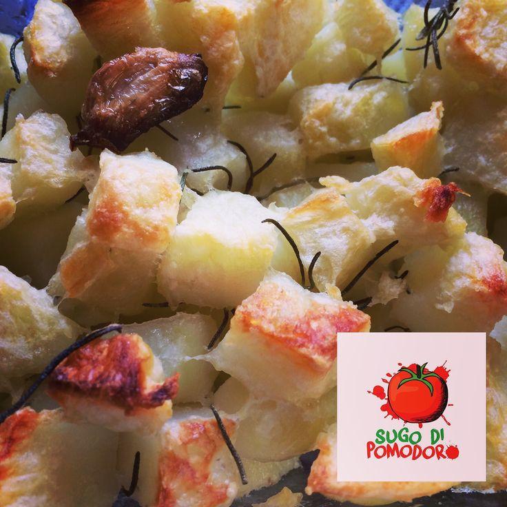 ¿Recuerdas los tips para unas papas al horno perfectamente doradas, crujientes afuera y suaves en su interior? #SugoDiPomodoro #Cocina #Nutrición #Recetas #ClasesDeCocina #FoodPorn  #Tasty #Gastronomia #CocinaParaPerezosos   #QueHacerEnMedellin