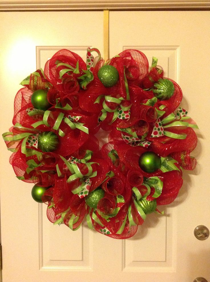 17 Best Images About Christmas Decor On Pinterest Mesh Ribbon Stockings And Christmas Chandelier