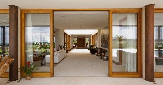 Resultado de imagem para portas de correr em madeira e vidro