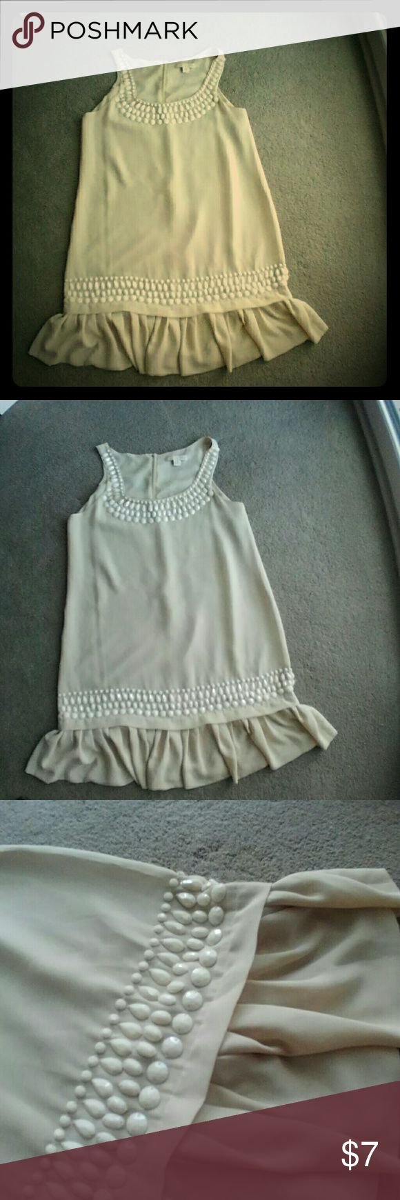 H&M flapper dress M Cream colored dress with plastic bead details.  Great for going out, dress you with a cute pair of Mary Jane heels. Worn once EUC. H&M Dresses Mini