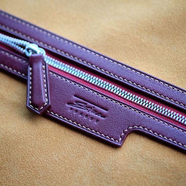 Progress work.. the #detail of the pocket #lining..#bespoke #handstitched #handsewn #messengerbag #bag #simaprague