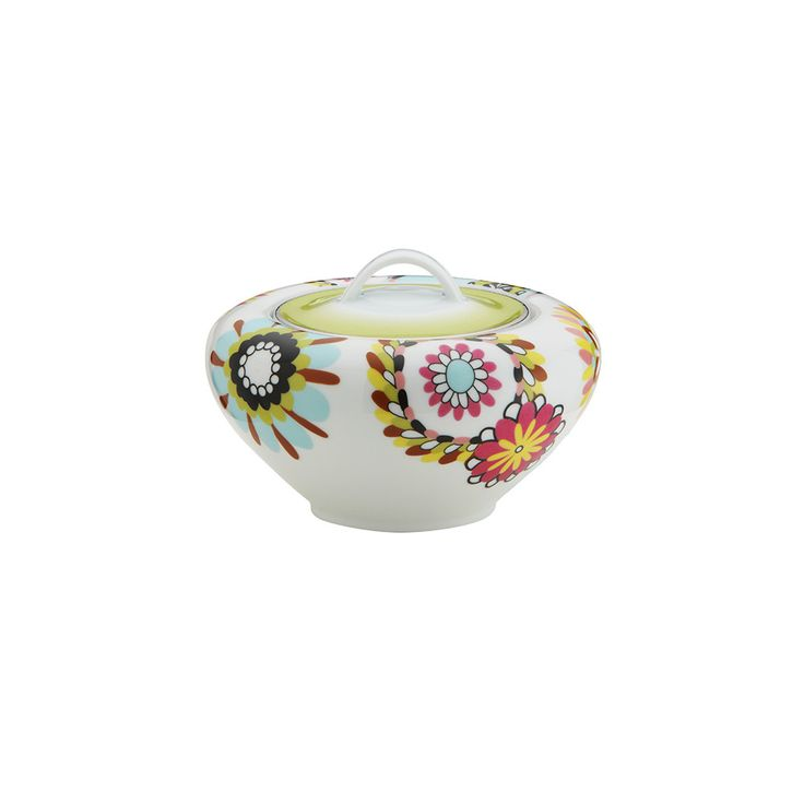 Brighten up your interior with this Margherita sugar bowl from Missoni Home. Beautifully crafted from fine porcelain, it features a kaleidoscopic modern floral pattern in vibrant multicolours. Produce