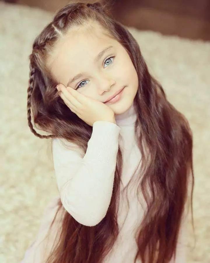 Saoirse In 2020 Brown Hair Blue Eyes Girl Brunette Blue Eyes Brown Hair Blue Eyes