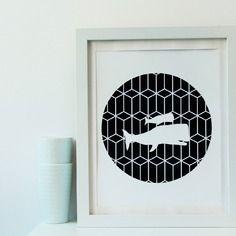 Illustration a4 esprit scandinave baleines en blanc avec bordure à motif graphique noir/blanc en papier découpé à la main