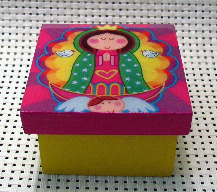 Cajita decorativa en madera MDF con acabado de resina. Motivo virgencita de Guadalupe