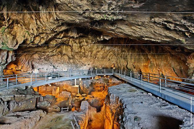 Πατημασιές 130.000 ετών