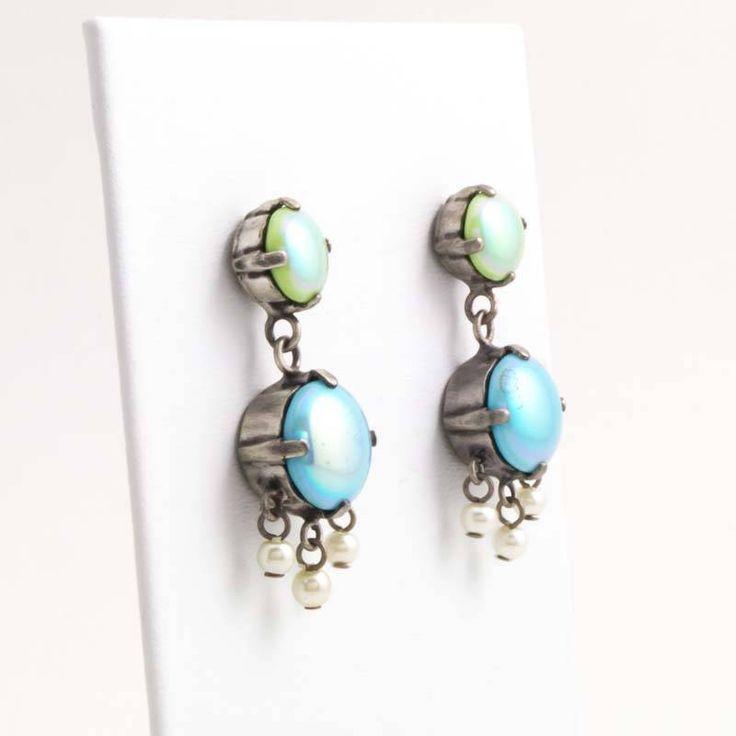 De Luxe Groen blauwe oorbellen met pareltjes