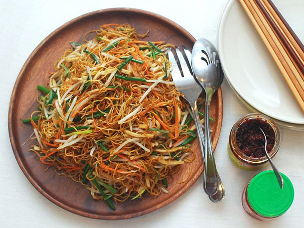 Chinese Noodles 101: How to Make Chow Mein With Four Vegetables | Serious Eats