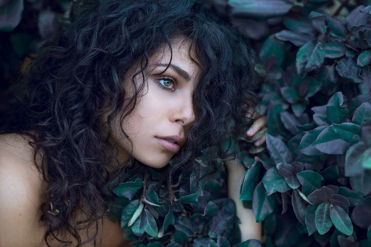 Green eyes - null