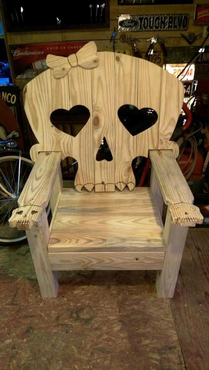 Pallet Skull Chair - 15 Pallet Ideas to Bring Pallets in Your Home | Pallet Furniture