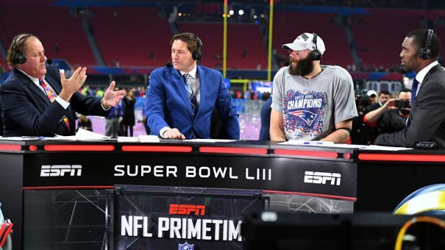 Super Bowl Liii Mvp Julian Edelman Has Simple Request For Randy Moss New England Patriots Football Julian Edelman New England Patriots