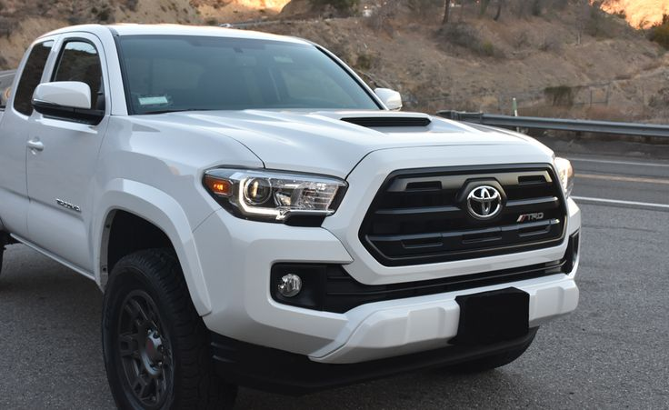 SR Grill with TRD emblem on white 2016 Toyota TRD