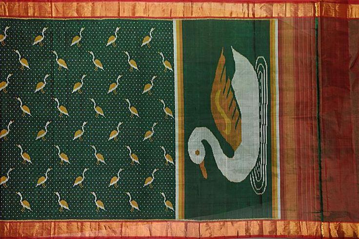 Handwoven Silk Patola Saree (PAT2SAR359) – ethnic collage