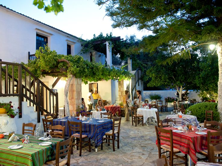 Come and enjoy a #tour and #tasting at one of Greece's top wineries! #Manousakis #Winery : http://www.cretetravel.com/activity/tours-tastings-and-special-events-at-the-manousakis-winery/