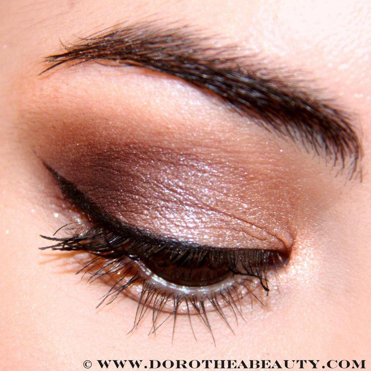 Urban Decay Gwen Stefani Eyeshadow Palette | Valentine's Day Makeup Look