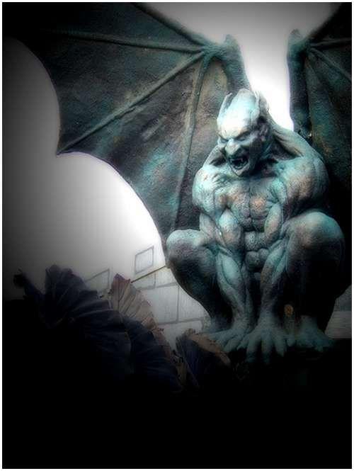 Amazing Photos of Gargoyles and Grotesques 4