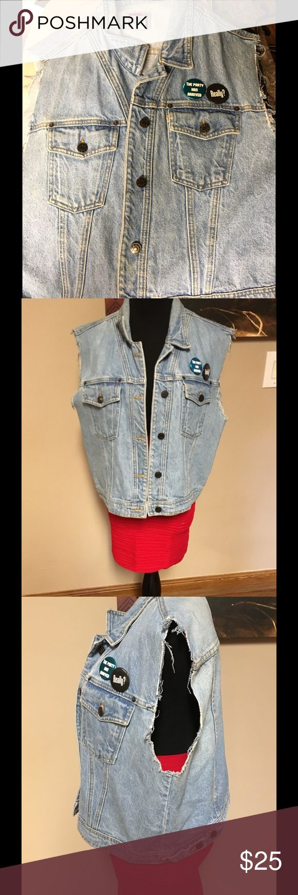 Vintage denim vest Sun belt vintage vest.. With added buttons.. Unisex.. Vintage pieces may or may not fit tts Sunbelt Jackets & Coats Vests