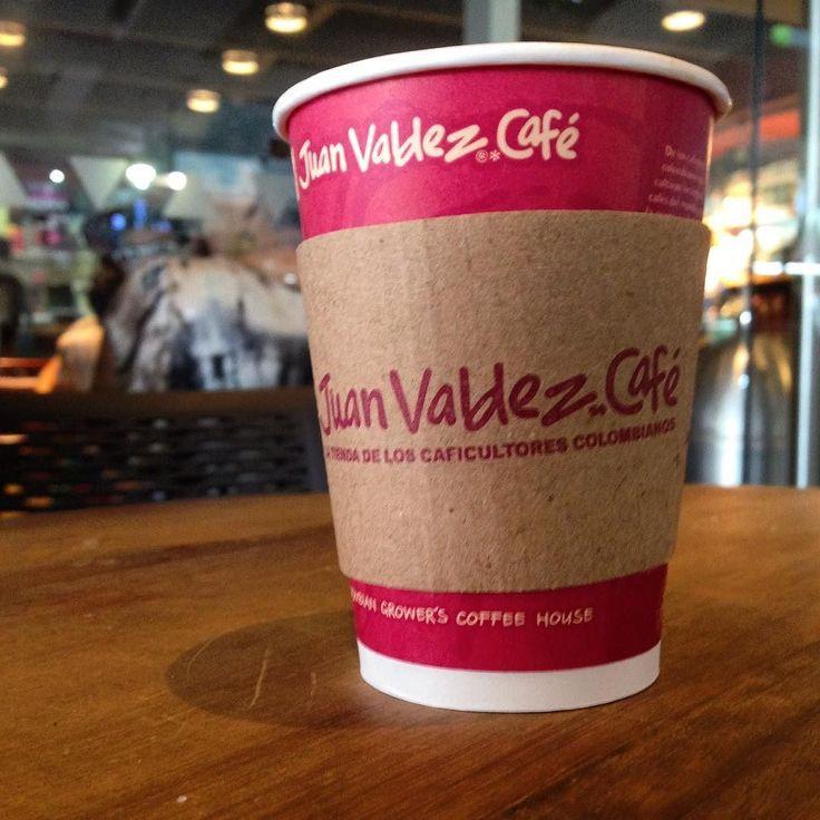 Júrenme que un #Café Nariño de origen antes del almuerzo no es malo... si no de malas el almuerzo!  #CoffeeLover #Cafelfie #coffeeaddict #ColombianCoffee #coffee #CafeDeColombia