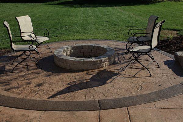 17 best images about deck patio decor ideas on pinterest for Fire pit on concrete slab