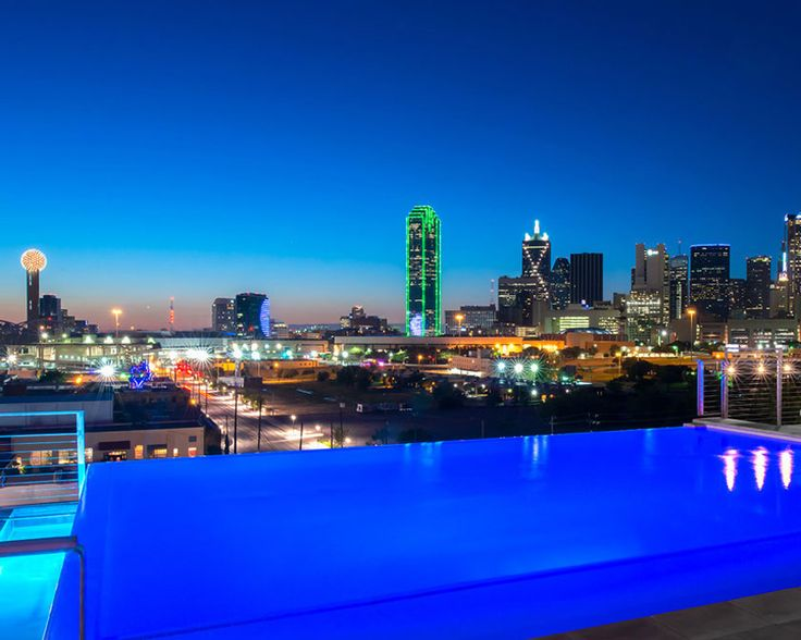 NYLO Downtown Dallas - perfect rooftop bar