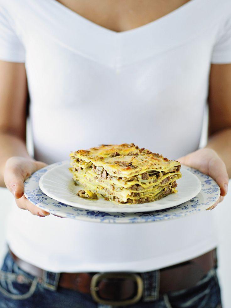 Impara come preparare le lasagne con ragù di agnello più buone. Scopri gli ingredienti e la preparazione su Sale&Pepe.