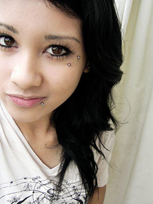 ugh dream piercing. the Anti-eyebrow... sooo pretty!!!