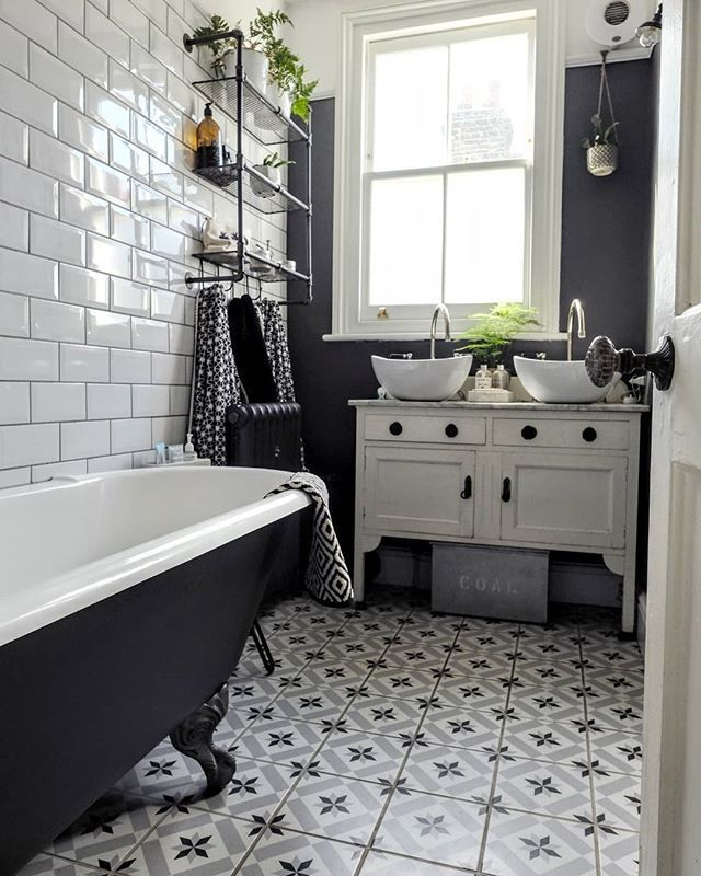 Monochrome Bathroom With Fabulous Fired Earth Tiles Big Bathrooms Monochrome Bathroom Bathroom Interior Design