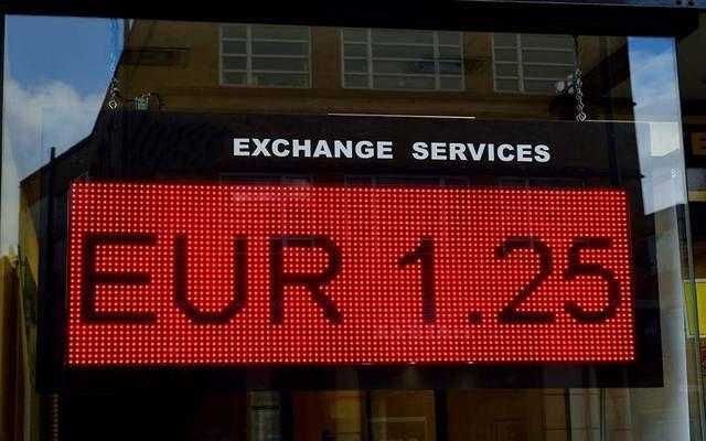 مباشر ارتفع نشاط قطاع الخدمات في منطقة اليورو بالقراءة النهائية ليصل إلى أعلى مستوى منذ يونيو خلال الشهر الماضي مع تحسن Going On Holiday Euro Gloucestershire