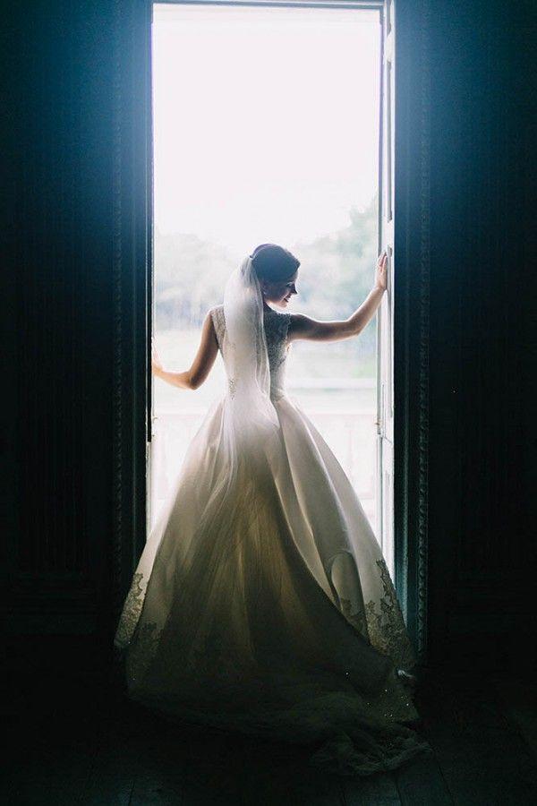 Elegant Southern wedding dress | Catherine Ann Photography