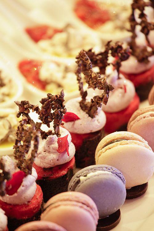 Macaroons and raspberry cheese cake brownie #StyleNight