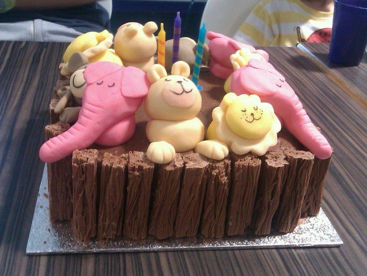 An animal birthday cake