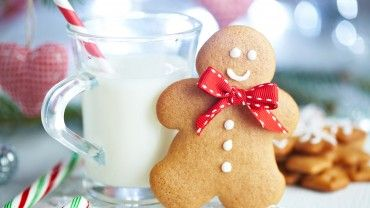 Gingerbread cookies are delicious and smell fantastic! Make your gingerbread men or shapes today with our Christmas recipe the whole family will enjoy. Read on to find out more.