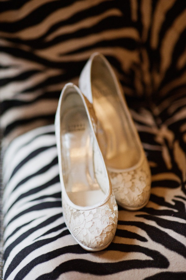 Dream wedding shoes!!!!: Lace Wedding Dresses, Fashion Shoes, Style, Lace Heels, Weddingshoes Bröllopsskor, Lace Wedding Shoes, Girl Shoes, Lace Shoes, Girls Shoes