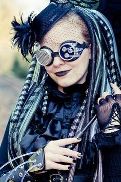 Great mash-up of #Steampunk and #Cybergoth