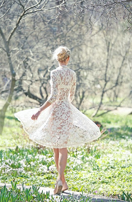 OMG!: Dresses Wedding, Summer Dresses, Wedding Dressses, Lace Wedding Dresses, Modern Wedding Dresses, Shorts Wedding Dresses, White Lace, The Dresses, Lace Dresses
