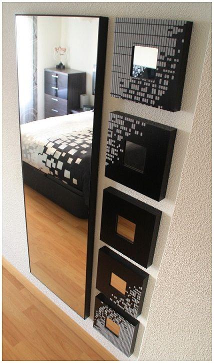 Añade creatividad a tu espejo. Acompáñalo de uno cuadros a juego con otros elementos decorativos de la habitación, como el cabecero, otro cuadro, o la combinación de colores.