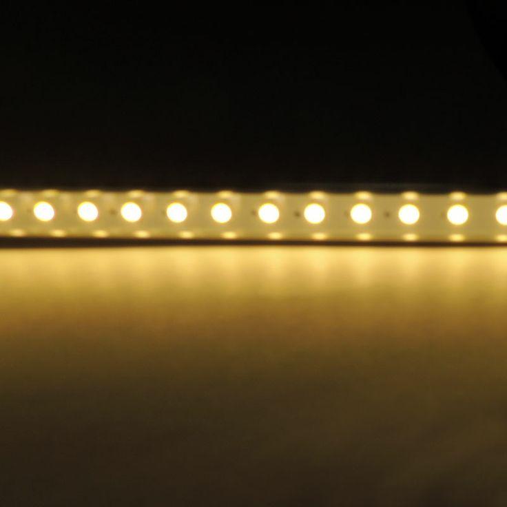 Regleta LED con interruptor táctil 15W. Equivale a un fluorescente de 36W. http://www.barcelonaled.com/fluorescentes-led/571-regleta-led-con-interruptor-tactil-15w.html