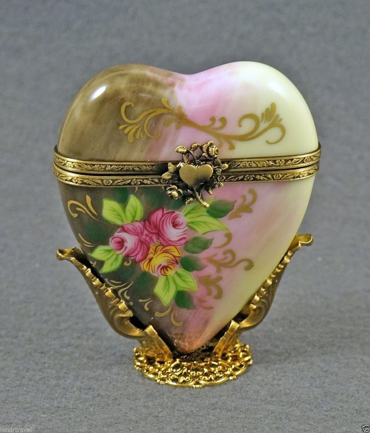 New in original box french limoges box amazing heart with roses on ornate stand